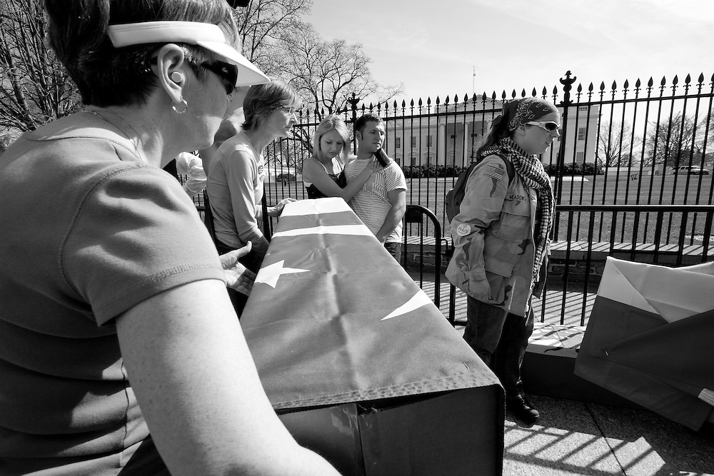 The coffins were heaped up right in front of the white house.