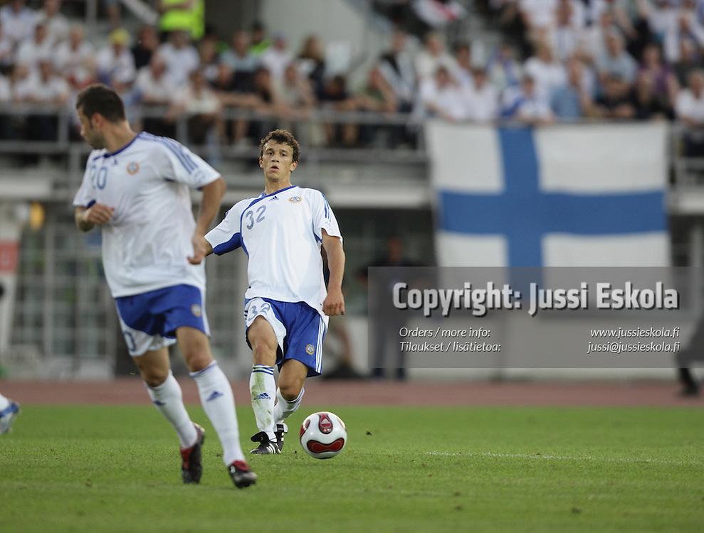 Roman Eremenko. Suomi ? Belgia, EM-karsinta, Helsinki, Olympiastadion 6.6.2007. Photo: Jussi Eskola