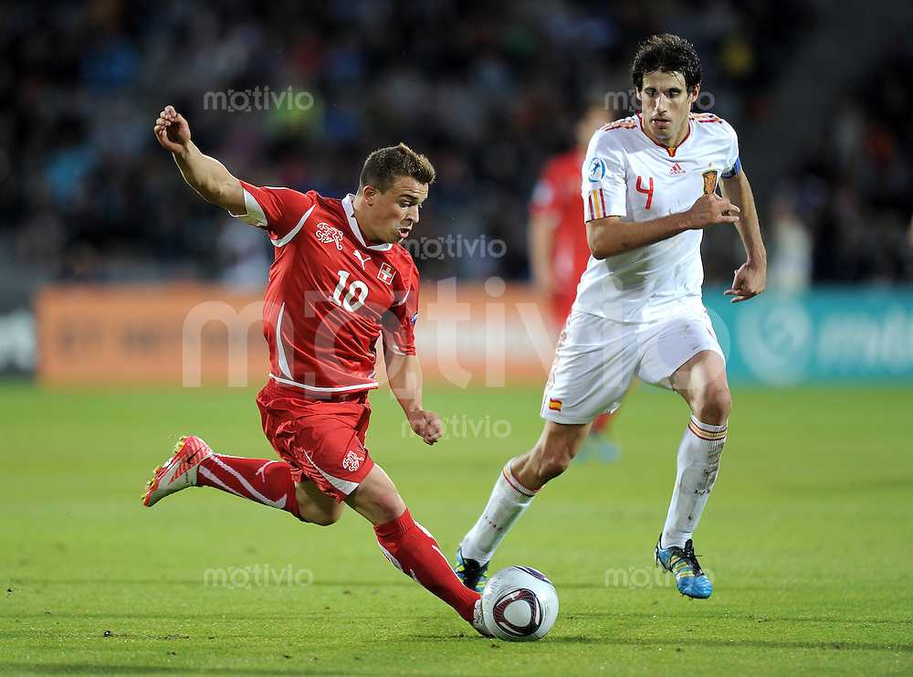 FUSSBALL   UEFA U 21-EUROPAMEISTERSCHAFT 2011   FINALE  25.06.2011 Schweiz - Spanien Xherdan Shaqiri (li, Schweiz) gegen Javi Martinez (re, Spanien)