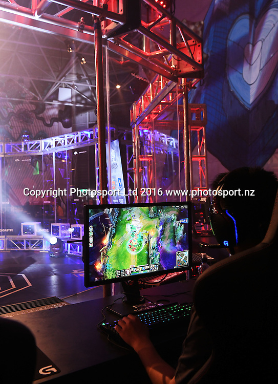 Auckland Grammar versus Manurewa High School. League of Legends. E-sports NZ Gaming Championship Grand Final. Auckland, New Zealand. Letsplay.live. Wednesday 12 October 2016© Copyright photo: Andrew Cornaga / www.photosport.nz