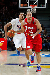 12.09.2014, City Arena, Madrid, ESP, FIBA WM, Frankreich vs Serbien, Halbfinale, im Bild France´s Gobert (L) and Serbia´s Krstic // during FIBA Basketball World Cup Spain 2014 semifinal match between France and Serbia at the City Arena in Madrid, Spain on 2014/09/12. EXPA Pictures © 2014, PhotoCredit: EXPA/ Alterphotos/ Victor Blanco<br /> <br /> *****ATTENTION - OUT of ESP, SUI*****