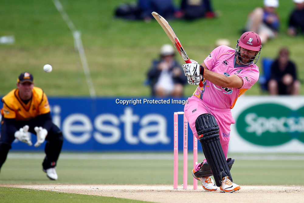 Daniel (Dan) Vettori bats during the HRV Cup match between the Northern Knight v Wellington Firebirds. Men's domestic one day cricket. Blake Park, Mt Maunganui, New Zealand. 4 January 2012. Ella Brockelsby / photosport.co.nz