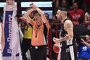 Emanuele Aronne arbitro, Pietro Aradori<br /> The Flexx Pistoia - Virtus Segafredo Bologna<br /> LegaBasket Serie A 2017/2018<br /> Pistoia, 29/04/2018<br /> Foto M.Ceretti / Ciamillo-Castoria