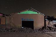 MARIANA, MG, BRASIL, 08-02-2016: Bar do Jairo, pequeno comercio localizado em Paracatu, distrito de Mariana-MG, a comunidade foi atingida pelo rejeito de minério no dia 5 de novembro de 2015, quando a barragem de Fundão, da mineradora Samarco, rompeu, lançando no ambiente mais de 40 bilhões de litros de lama. (Foto: Avener Prado)