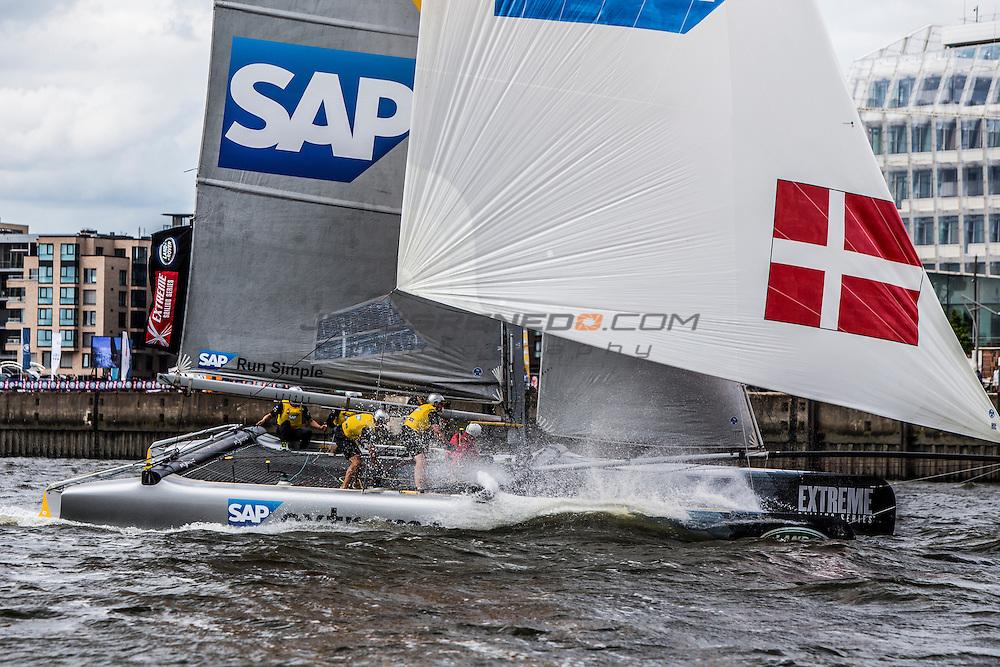 2015 Extreme Sailing Series - Act 5 - Hamburg.<br /> SAP Extreme Sailing Team skippered by Jes Gram-Hansen (DEN) and Rasmus K&oslash;stner (DEN) and crewed by Mads Emil Stephensen (DEN), Herve Cunningham (FRA) and Nicholai Sehested (DEN).<br /> Credit Jesus Renedo.