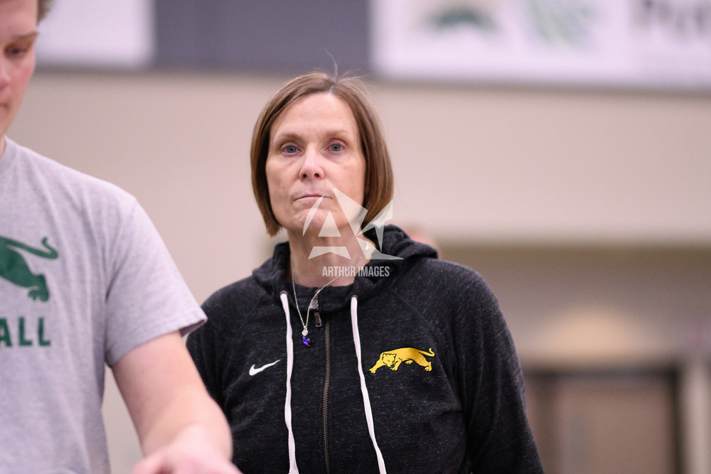 Regina Cougars Head Coach Melanie Sanford in action during Women's Volleyball home game on January 12 at Centre for Kinesiology, Health and Sport. Credit: /Arthur Images 2018