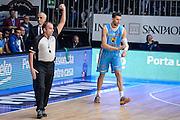 DESCRIZIONE : Cantu Lega A 2015-16 <br /> GIOCATORE : Arbitro Referee<br /> CATEGORIA : Arbitro Referee<br /> SQUADRA : <br /> EVENTO : Campionato Lega A 2015-2016<br /> GARA : Acqua Vitasnella Cantu' Vanoli Cremona <br /> DATA : 14/12/2015<br /> <br /> SPORT : Pallacanestro<br /> AUTORE : Agenzia Ciamillo-Castoria/M.Ozbot<br /> Galleria : Lega Basket A 2015-2016 <br /> Fotonotizia: Cantu Lega A 2015-16