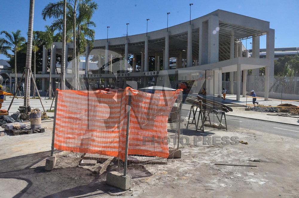 RIO DE JANEIRO, RJ, 09 DE MAIO DE 2013 -OBRAS NO ENTORNO DO MARACANÃ- Obras no entorno do estádio do Maracanã, que sediará partidas da Copa das Confederações, nesta quinta-feira, 09. FOTO: MARCELO FONSECA/BRAZIL PHOTO PRESS