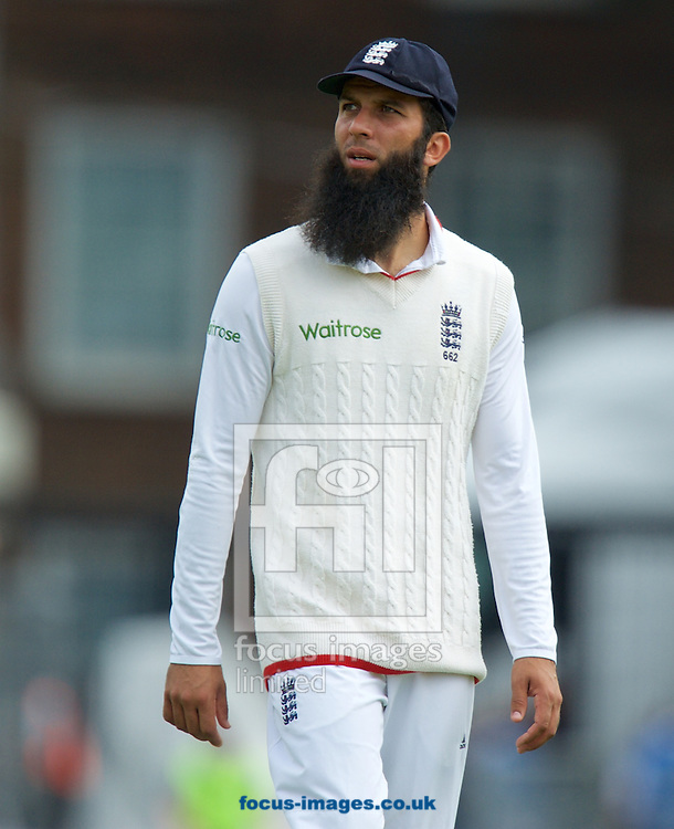 Moeen Ali of England during the 5th Investec Ashes Test Match match at the Kia Oval, London<br /> Picture by Alan Stanford/Focus Images Ltd +44 7915 056117<br /> 20/08/2015