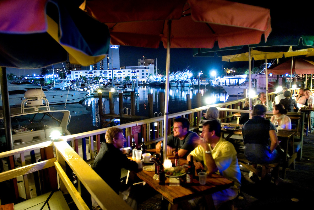 Travel story about Fort Lauderdale, Florida.Bahia Cabana patio bar overlooking the marina at night...Photographer: Chris Maluszynski /MOMENT