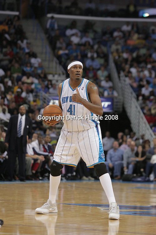 05 November 2008:  New Orleans Hornets forward James Posey (41) in action during a 87-79 victory by the Atlanta Hawks over the New Orleans Hornets at the New Orleans Arena in New Orleans, LA..
