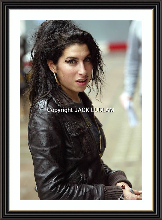 Amy WineHhouse London OCT 2006<br /> A2 Museum-quality Archival signed Framed Print (Limited Edition of 25)