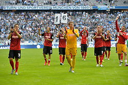 01.08.2015, Allianz Arena, Muenchen, GER, 2. FBL, TSV 1860 Muenchen vs SC Freiburg, 2. Runde, im Bild Team des SC Freiburg, Dank an die Fans // during the 2nd German Bundesliga 2nd round match between TSV 1860 Muenchen and SC Freiburg at the Allianz Arena in Muenchen, Germany on 2015/08/01. EXPA Pictures © 2015, PhotoCredit: EXPA/ Eibner-Pressefoto/ Buthmann<br /> <br /> *****ATTENTION - OUT of GER*****
