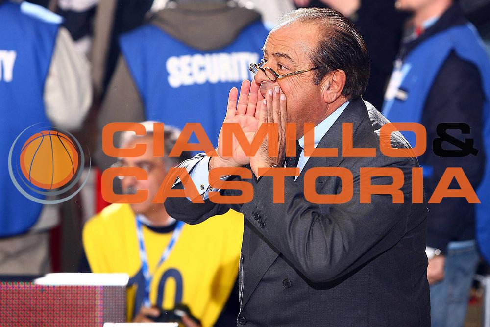 DESCRIZIONE : Napoli Eurolega 2006-07 Eldo Napoli Wintherthur FC Barcellona<br /> GIOCATORE : Maione<br /> SQUADRA : Eldo Napoli Basket<br /> EVENTO : Eurolega 2006-2007 <br /> GARA : Eldo Napoli Wintherthur FC Barcellona<br /> DATA : 11/01/2007 <br /> CATEGORIA : Ritratto Curiosita<br /> SPORT : Pallacanestro <br /> AUTORE : Agenzia Ciamillo-Castoria/E.Castoria