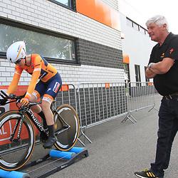 31-08-2017: Wielrennen: Boels Ladies Tour: Roosendaal: Anna van der Breggen en Verzorger Michel Lhoest