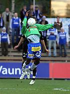 08.05.2008, Tapiolan Urheilupuisto, Espoo, Finland..Veikkausliiga 2008 - Finnish League 2008.FC Honka - Rovaniemen Palloseura.Nchimunya Mweetwa (RoPS) v Hannu Patronen (Honka).©Juha Tamminen.....ARK:k