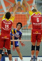 12-02-2011 VOLLEYBAL: AB GRONINGEN/LYCURGUS - DRAISMA DYNAMO: GRONINGEN<br /> In een bomvol Alfa-college Sportcentrum werd Dynamo met 3-2 (25-27, 23-25, 25-19, 25-23 en 16-14) verslagen door Lycurgus / Tommy Pestolesi (#10)<br /> ©2011-WWW.FOTOHOOGENDOORN.NL