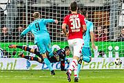 ALKMAAR - 11-12-2016, AZ -  Feyenoord, AFAS Stadion, Feyenoord speler Nicolai Jorgensen (l) scoort hier de 0-3, doelpunt, AZ keeper Sergio Rochet