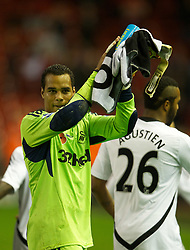 05.11.2011, Anfield Stadion, Liverpool, ENG, Premier League, FC Liverpool vs Swansea City, im Bild Swansea City's goalkeeper Michael Vorm applauds the supporters after his side's goal-less draw against Liverpool  // during the premier league match between FC Liverpool vs Swansea City at Anfield Stadium, Liverpool, EnG on 05/11/2011. EXPA Pictures © 2011, PhotoCredit: EXPA/ Propaganda Photo/ David Rawcliff +++++ ATTENTION - OUT OF ENGLAND/GBR+++++