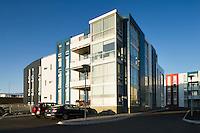 Fjölbýlishús við Norðubrú 2, Sjálandshverfi í Garðabæ. Arkitekt er Guðni Pálsson..Apparmenthouse by Nordurbru 2 in Gardabaer. Architecht is Gudni Palsson.