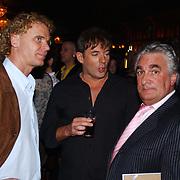 Uitreiking populariteitsprijs 2004, Wino Omtzigt, Gerard Joling en Ludo Voeten