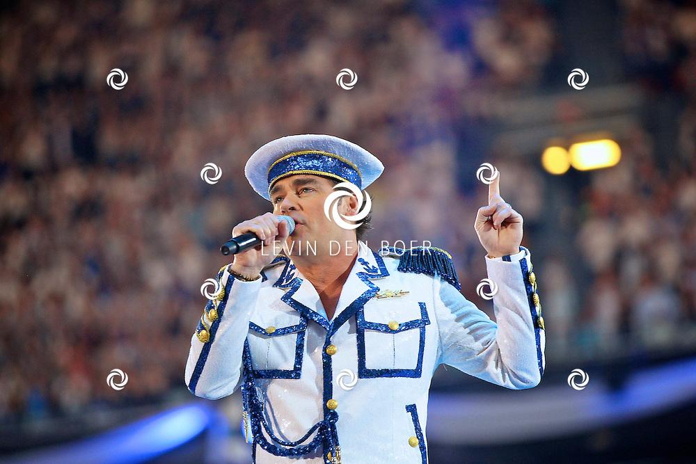 AMSTERDAM - De Toppers in Concert 2012 The Loveboat Edition in de Amsterdam Arena in Amsterdam.  Met op de foto topper Jeroen van der Boom. FOTO LEVIN DEN BOER - PERSFOTO.NU