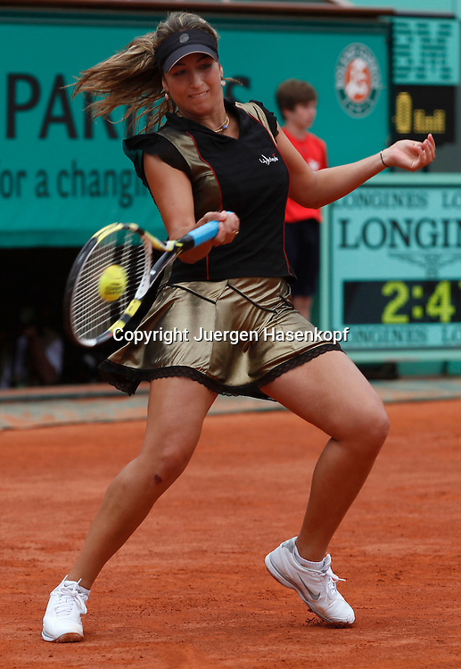 French Open 2010, Roland Garros, Paris, Frankreich,Sport, Tennis, ITF Grand Slam Tournament, ..Aravane Rezai (FRA) ..Foto: Juergen Hasenkopf..