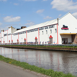 61e Ronde van Overijssel peloton passeert Lowik meubelen geen onbekende in Nederlandse wielrennen