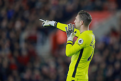 SOUTHAMPTON, ENGLAND - Saturday, November 19, 2016: Everton's goalkeeper Maarten Stekelenburg in action against Southampton during the FA Premier League match at St. Mary's Stadium. (Pic by David Rawcliffe/Propaganda)