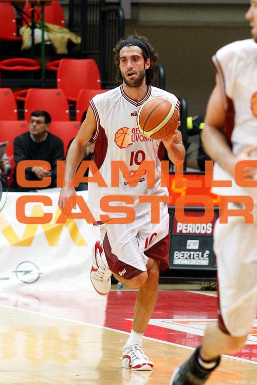 DESCRIZIONE : Livorno Lega A2 2008-09 Basket Livorno Prima Veroli<br /> GIOCATORE : Rossetti Marco<br /> SQUADRA : Basket Livorno<br /> EVENTO : Campionato Lega A2 2008-2009<br /> GARA : Basket Livorno Prima Veroli<br /> DATA : 01/11/2008<br /> CATEGORIA : Palleggio<br /> SPORT : Pallacanestro<br /> AUTORE : Agenzia Ciamillo-Castoria/Stefano D'Errico