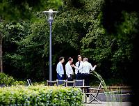 Den Haag, 12 juni 2017 - Mark Rutte (VVD), Sybrand van Haersma Buma (CDA, Alexander Pechtold (D66) en Jesse Klaver (Groenlinks) in de tuin van het Catshuis tijdens het formatieoverleg met Informateur Herman Tjeenk Willink.<br /> Foto: Phil Nijhuis