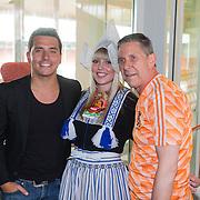 NLD/Volendam/20130612 - Opening Uniek Volendam, opening door Jan Smit en Arnold Muhren