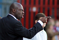 Photo: Paul Thomas.<br /> Scunthorpe United v Swindon Town. Coca Cola League 1. 17/04/2006.<br /> <br /> Iffy Onuora, Swindon manager.