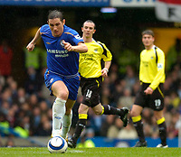 Photo: Alan Crowhurst.<br />Chelsea v Manchester City. The Barclays Premiership. 25/03/2006. Frank Lampard attacks for Chelsea.