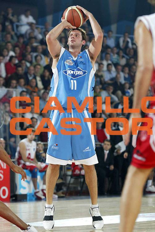 DESCRIZIONE : ROMA CAMPIONATO LEGA A1 2004-2005<br />GIOCATORE : ALBANO<br />SQUADRA : POMPEA NAPOLI<br />EVENTO : CAMPIONATO LEGA A1 2004-2005<br />GARA : ARMANI JEANS MILANO-POMPEA NAPOLI<br />DATA : 23/10/2004<br />CATEGORIA : Tiro<br />SPORT : Pallacanestro<br />AUTORE : Agenzia Ciamillo-Castoria/E.Pozzo