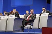 16 NOV 2003, BOCHUM/GERMANY:<br /> Olaf Scholz (L), SPD Generalsekretaer, und Gerhard Schroeder (R), SPD, Bundeskanzler, SPD Europadelegiertenkoferenz, Ruhr-Congress-Zentrum<br /> IMAGE: 20031116-01-002<br /> KEYWORDS: Parteitag, party congress, gerhard Schröder
