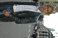 Fotball - Oslo 13. april 2002. Portrett Tobias Grahn, Vålerenga. Her fotografert på Karl Johan.<br /> <br /> Foto: Andreas Fadum