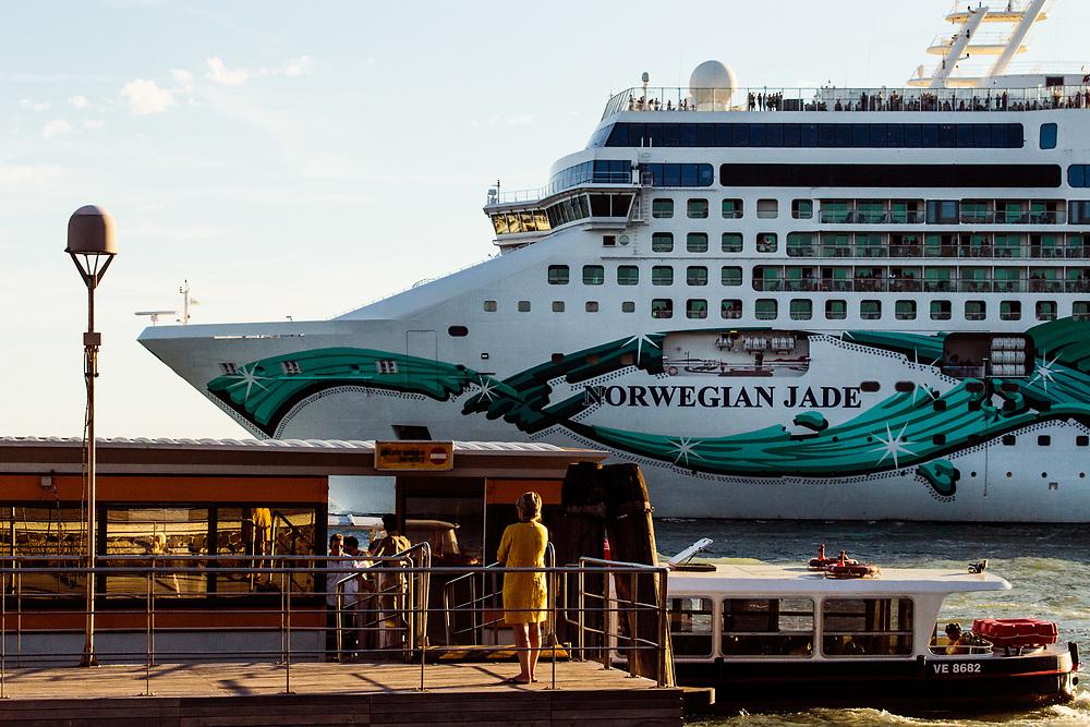 Grandi navi e vaporetti.