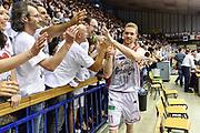 DESCRIZIONE : Campionato 2014/15 Serie A Beko Grissin Bon Reggio Emilia -  Dinamo Banco di Sardegna Sassar Finale Playoff Gara1<br /> GIOCATORE : Giovanni Pini<br /> CATEGORIA : Tifosi Pubblico Spettatori Ritratto Esultanza Postgame<br /> SQUADRA : Grissin Bon Reggio Emilia<br /> EVENTO : LegaBasket Serie A Beko 2014/2015<br /> GARA : Grissin Bon Reggio Emilia - Dinamo Banco di Sardegna Sassari Finale Playoff Gara1<br /> DATA : 14/06/2015<br /> SPORT : Pallacanestro <br /> AUTORE : Agenzia Ciamillo-Castoria/GiulioCiamillo