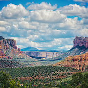 Scenic view of Sedona's famoud red rocks.