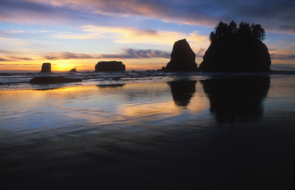Sunset with &quot;Haystack Rocks&quot; at 2nd Beach, Olympic National Park Coastal Strip, Washington,  USA<br />