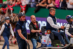EXELL Boyd (AUS), FERCH Heino (Scvhauspieler)<br /> Leipzig - Partner Pferd 2020<br /> Siegerehrung<br /> TRAVEL CHARME Hotels & Resorts Trophy <br /> FEI Driving World Cup™<br /> FEI World Cup Qualifikation der Vierspänner<br /> Zeithindernisfahren für Vierspänner, international<br /> 19. Januar 2020<br /> © www.sportfotos-lafrentz.de/Stefan Lafrentz