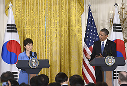 59613458  .U.S. President Barack Obama (R) shakes hands with visiting South Korean President Park Geun-hye during a joint press conference after their meetings in the East Room of the White House in Washington D.C., capital of the United States, May 7, 2013. Photo by:  imago / i-Images.UK ONLY
