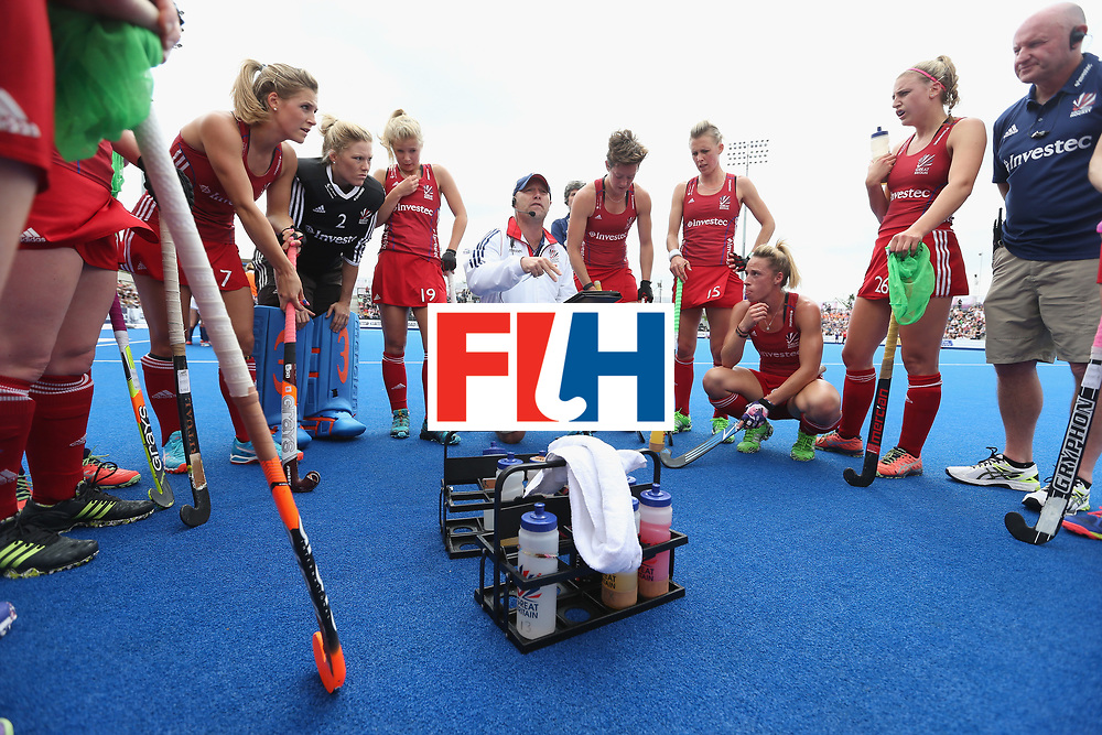 LONDON, ENGLAND - JUNE 19: Great Britain coach Craig Keegan talks to his players at first break during the FIH Women's Hockey Champions Trophy match between Netherlands and Great Britain at Queen Elizabeth Olympic Park on June 19, 2016 in London, England.  (Photo by Alex Morton/Getty Images)