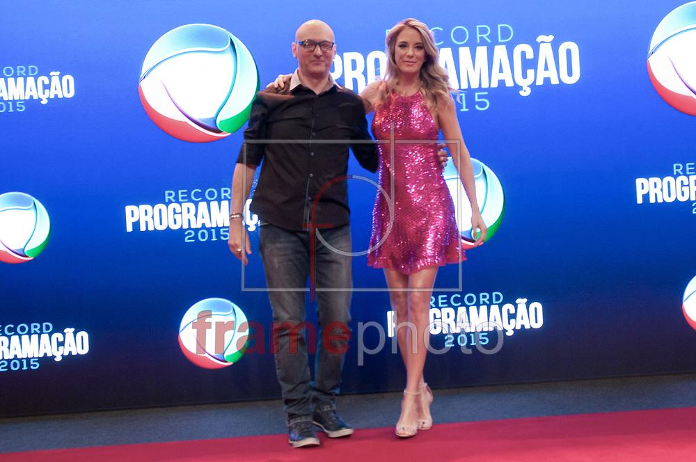 São Paulo (SP) 05/02/2015. Brito Jr e Ticiane Pinheiro - Durante coletiva de impresa na Record. RECORD PROGRAMAÇÃO 2015. Barra Funda. Foto: Fábio Guinalz/Frame