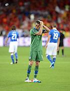 FUSSBALL  EUROPAMEISTERSCHAFT 2012   FINALE Spanien - Italien            01.07.2012 Torwart Gianluigi Buffon (Italien) richtet sich das Haar
