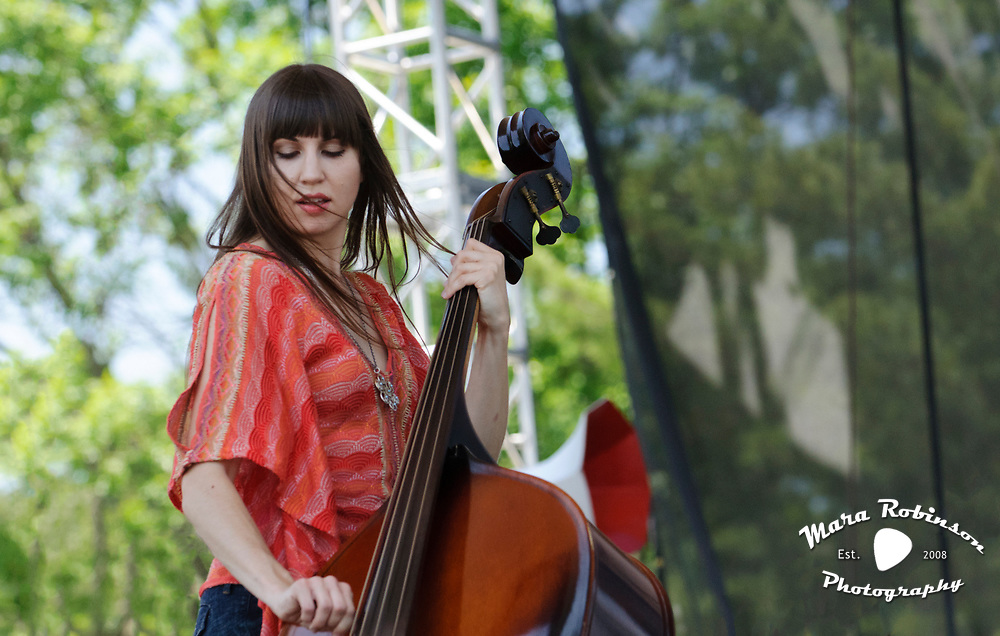 Sarah Benn, Shivering Timbers, at Nelsonville Music Festival 2012 photo by Ohio photographer Mara Robinson