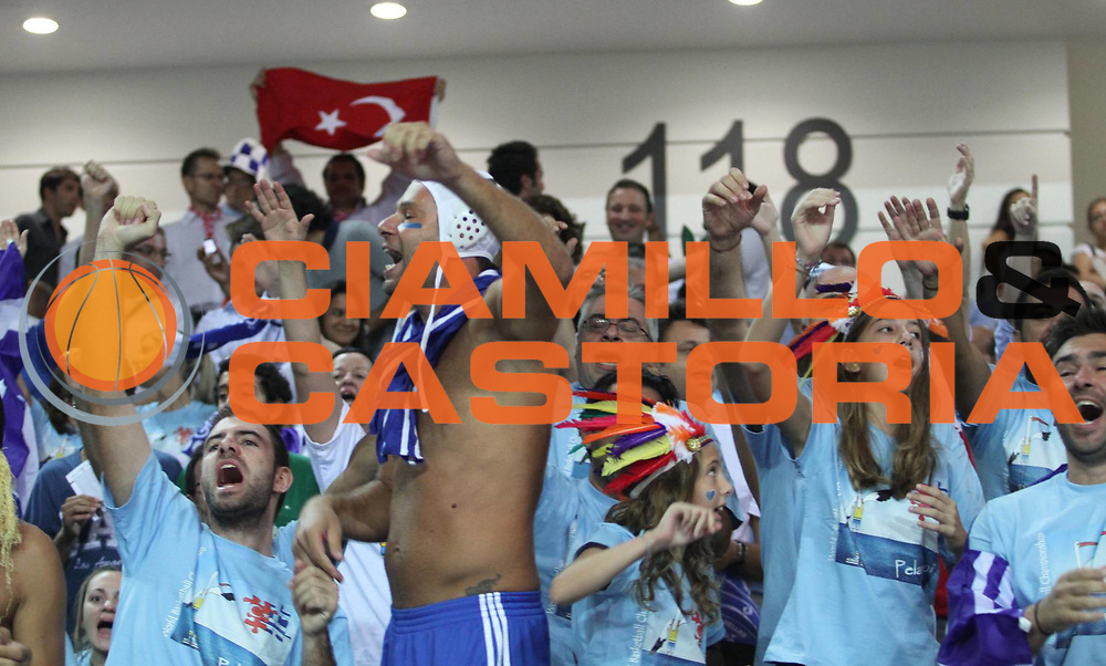 DESCRIZIONE : Ankara Turchia Turkey Men World Championship 2010 Campionati Mondiali Greece Turkey<br /> GIOCATORE : Supporters Greece Tifosi Grecia<br /> SQUADRA : Greece Grecia<br /> EVENTO : Ankara Turchia Turkey Men World Championship 2010 Campionato Mondiale 2010<br /> GARA : Greece Turkey Grecia Turchia<br /> DATA : 31/08/2010<br /> CATEGORIA : supporters tifosi<br /> SPORT : Pallacanestro <br /> AUTORE : Agenzia Ciamillo-Castoria/A.Vlachos<br /> Galleria : Turkey World Championship 2010<br /> Fotonotizia : Ankara Turchia Turkey Men World Championship 2010 Campionati Mondiali Greece Turkey<br /> Predefinita :