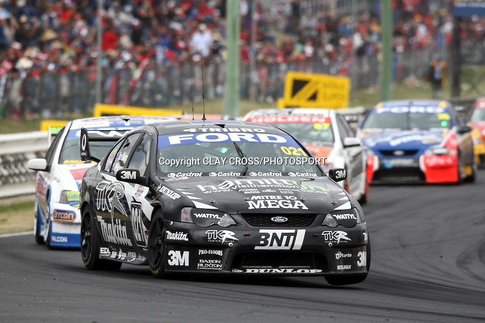 Shane Van Gisbergen and John McIntyre driving the Team Kiwi Racing Falcon in the Supercheap Auto Bathurst 1000 held at Mount Panorama, Bathurst Australia ~ Round 10 of the 2007 V8 Supercar Series on Sunday 7th October 2007.<br />