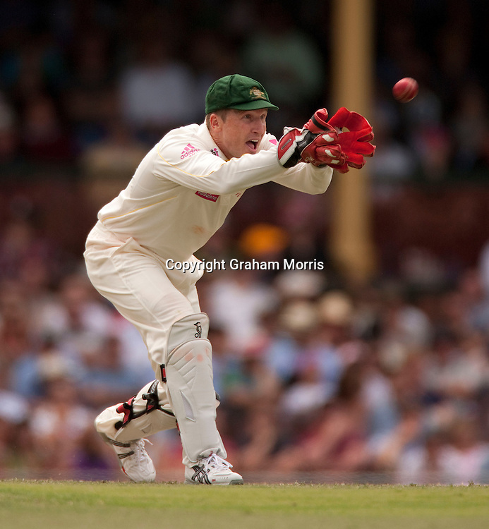 Australian wicket keeper Brad Haddin in action during the fifth and final Ashes test match against England at the SCG in Sydney, Australia. Photo: Graham Morris (Tel: +44(0)20 8969 4192 Email: sales@cricketpix.com) 04/01/11